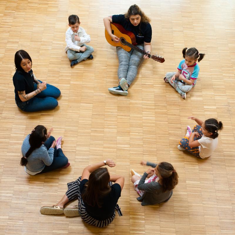 Stepke Akademie: Musizieren mit der C-Gitarre